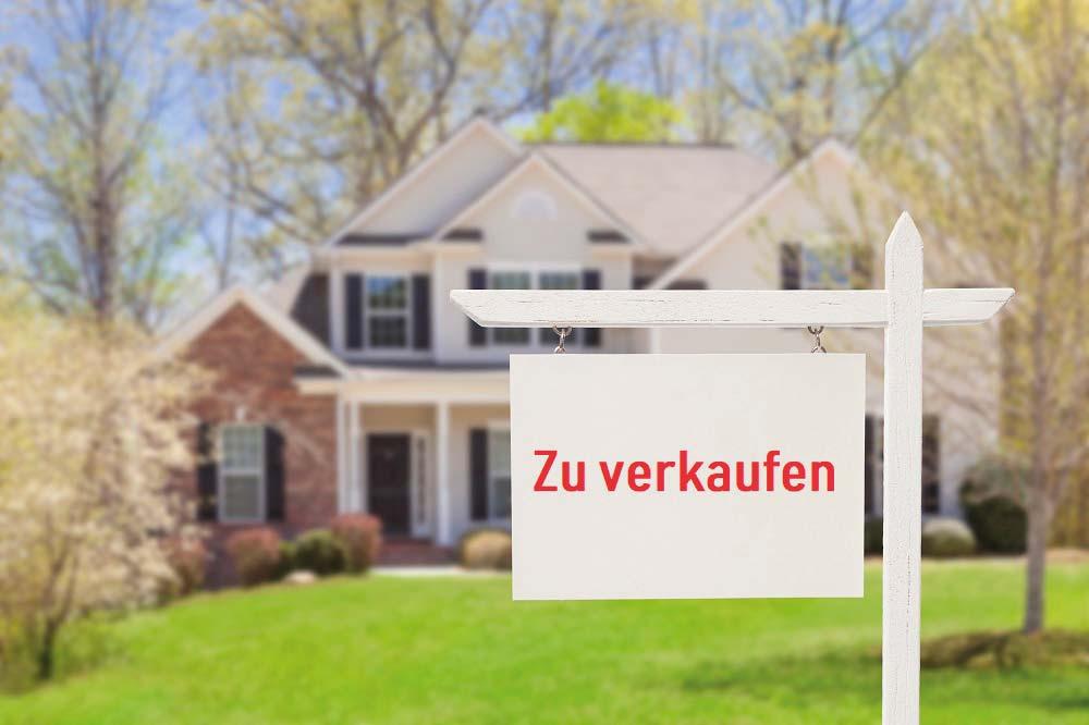 https://www.schrobback-immobilien.de/wp-content/uploads/2019/05/iStock-177722838_Haus_verkaufen_klein.jpg